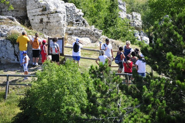 Montecopiolo- Area archeologica Castello 4