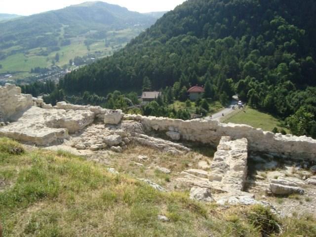 Montecopiolo- Area archeologica Castello 5