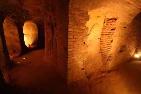 Particolare dei bassorilievi sulle pareti delle Grotte