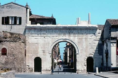 L'Arco di Augusto, da sempre simbolo della città di Fano