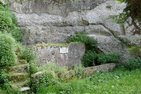 Scopri le attrazioni di Osimo – Mura urbiche in opus quadratum e Fonte Magna