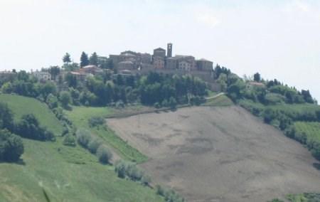 Il Castello di Piticchio ad Arcevia