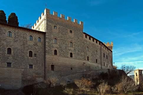 Veduta esterna del Castello Pallotta