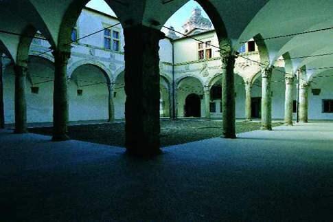 Scopri le attrazioni di Camerino - Palazzo Ducale