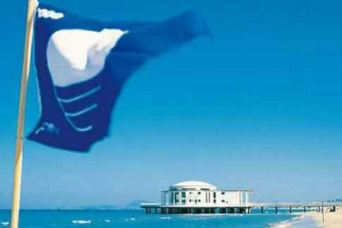 Scopri                                      Le bandiere blu