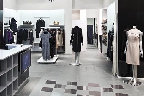 Scopri                                      Shopping di qualità: abbigliamento