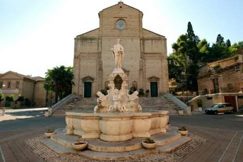 Scopri le attrazioni di Porto San Giorgio - Chiesa di S. Giorgio Martire
