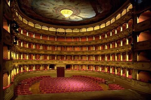 Scopri                                      Terra di Teatri e Musica