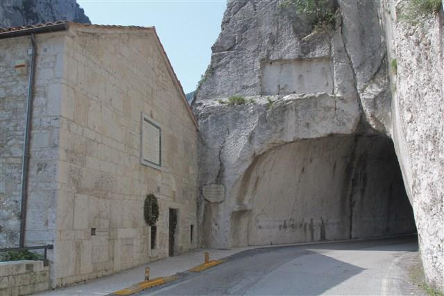 Marcheholiday La Gola del Furlo - Trekking