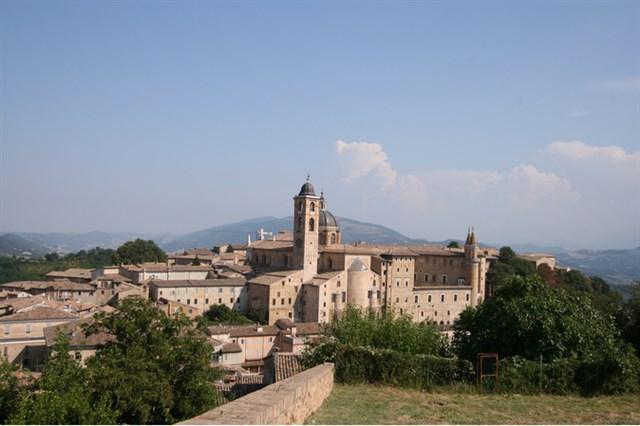 Marcheholiday Artisti a corte: Urbino, San Leo e i paesaggi del Rinascimento