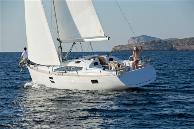 Discover the holiday package: SAILBOAT TOUR ALONG THE CONERO RIVIERA