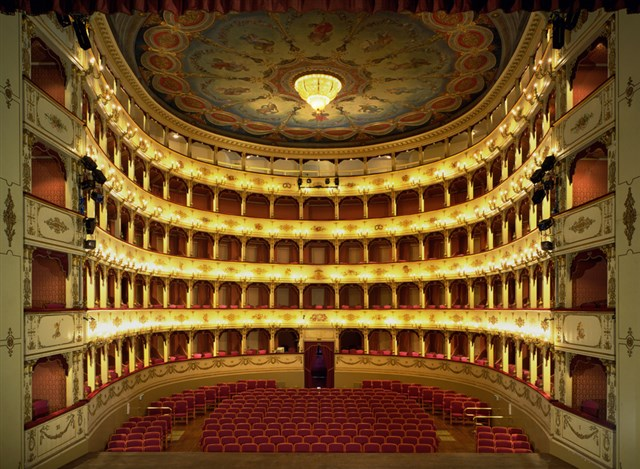 Discover the holiday package: OPERA & FOOD TOUR - 8 DAYS OF ITALIAN CULTURE AND ENOGASTRONOMY