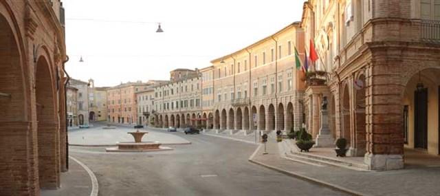 Piazza del Popolo 2 - San Severino Marche