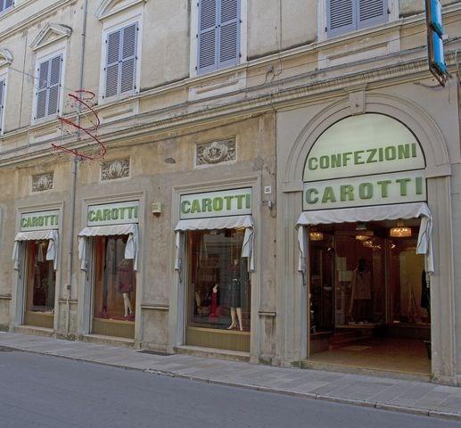 d462fcb25131 Situato lungo Corso Matteotti