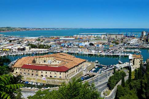 Ancona - Mole Vanvitelliana e Zona Mandracchio