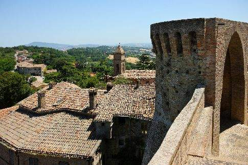 Panorama dal torrione della Rocca di Offagna