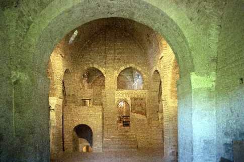 Apiro - Abbazia di S. Urbano, interni