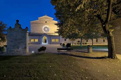 Tolentino - Abbazia di Fiastra, by night
