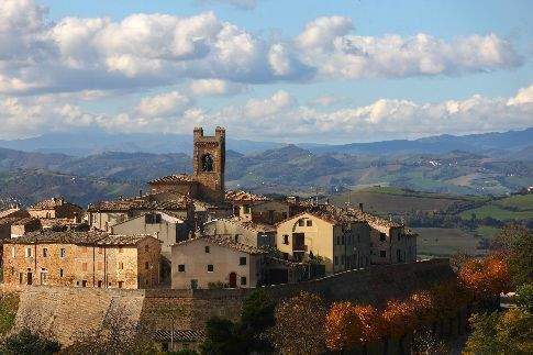 Vista del borgo di Colbordolo