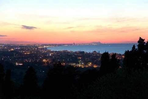 Scopri l'itinerario: Fuga romantica sul 'Tetto del mondo' tra Gabicce e Gradara