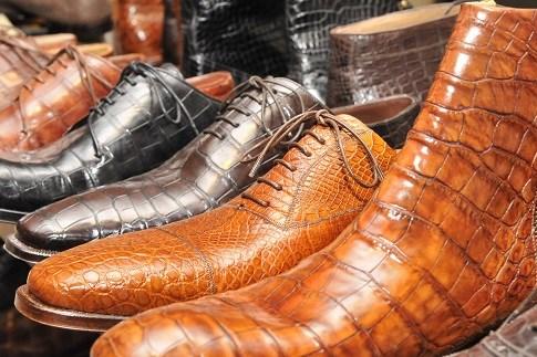 Scopri                                      Shopping di qualità le calzature