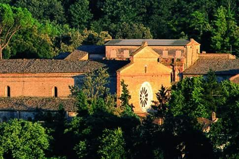 Attrazione di Tolentino - Abbazia S. Maria di Chiaravalle di Fiastra