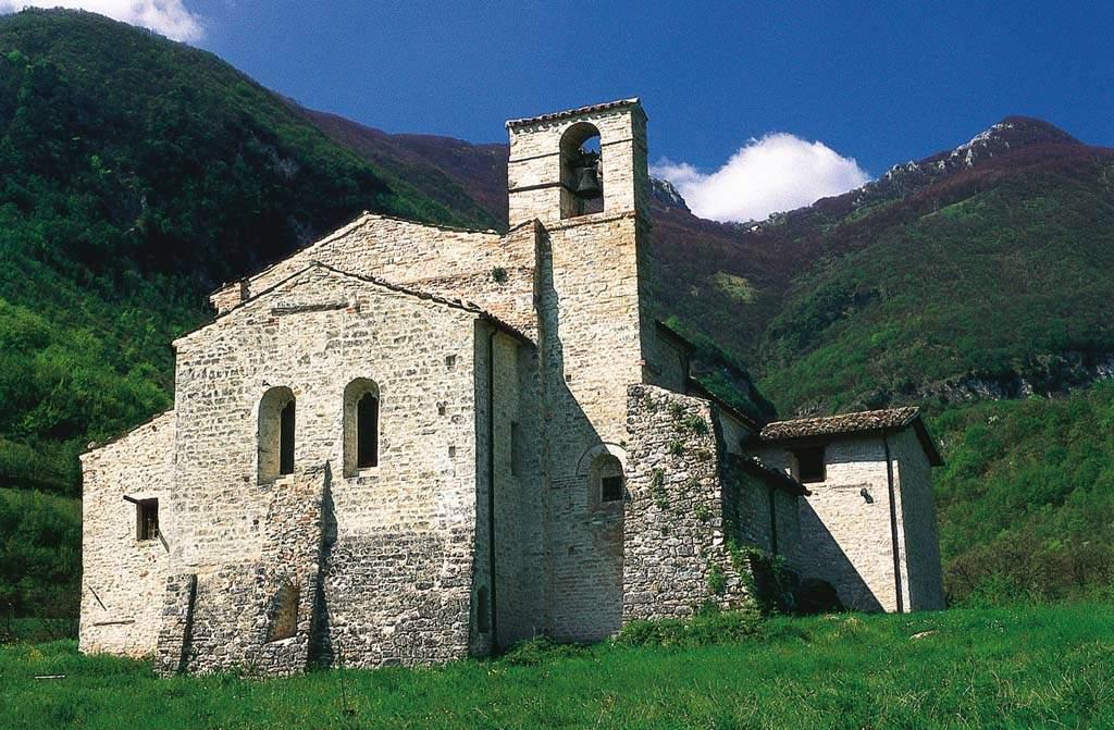Attrazione di Sarnano - Abbazia di Santa Maria e San Biagio