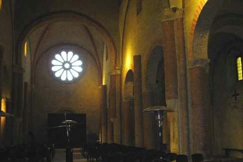 Interno della Chiesa di S. Maria di Chiaravalle di Fiastra