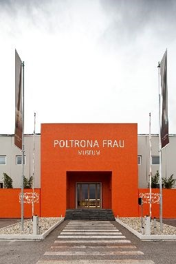 Tolentino poltrona frau outlet for Poltrona frau outlet