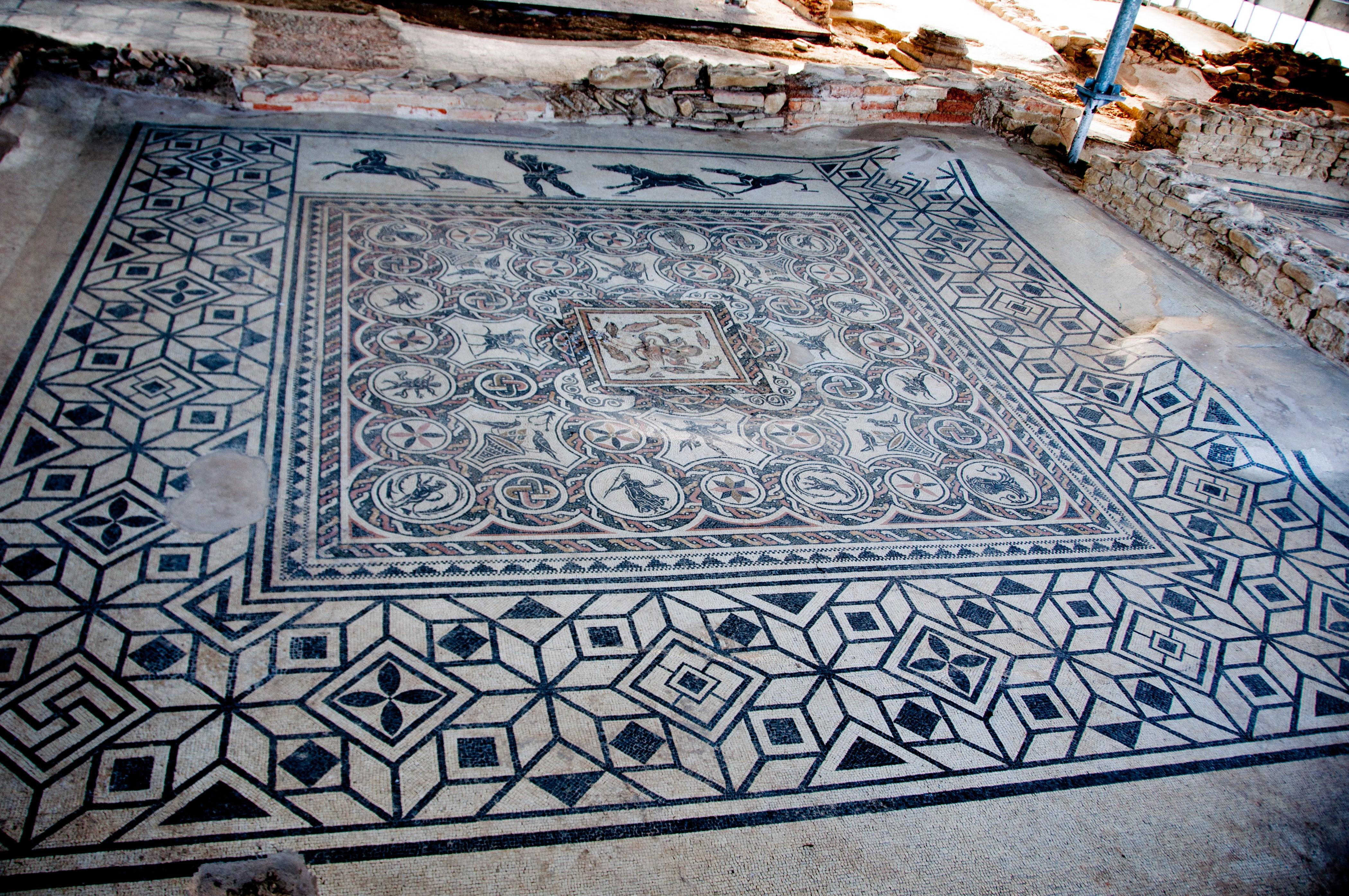 Archeologia for Marini arredamenti sant angelo in vado