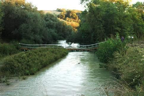 Ponte sul Fiume Esino