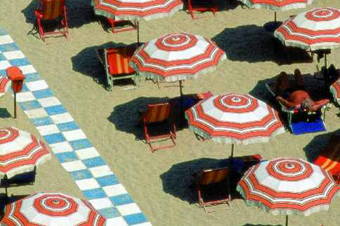Ombrelloni sulla spiaggia di Senigallia