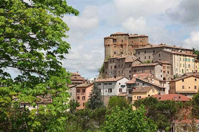 Marcheholiday Tour dei borghi in compagnia